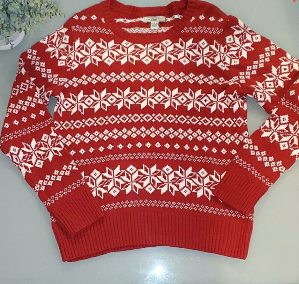 Bass Red Christmas sweater sz Large