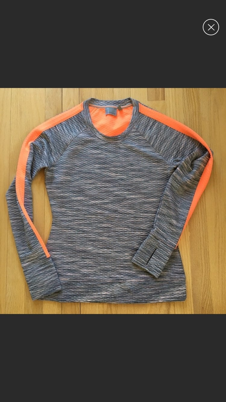 Athleta Gray Coral Snowscape Quilted S