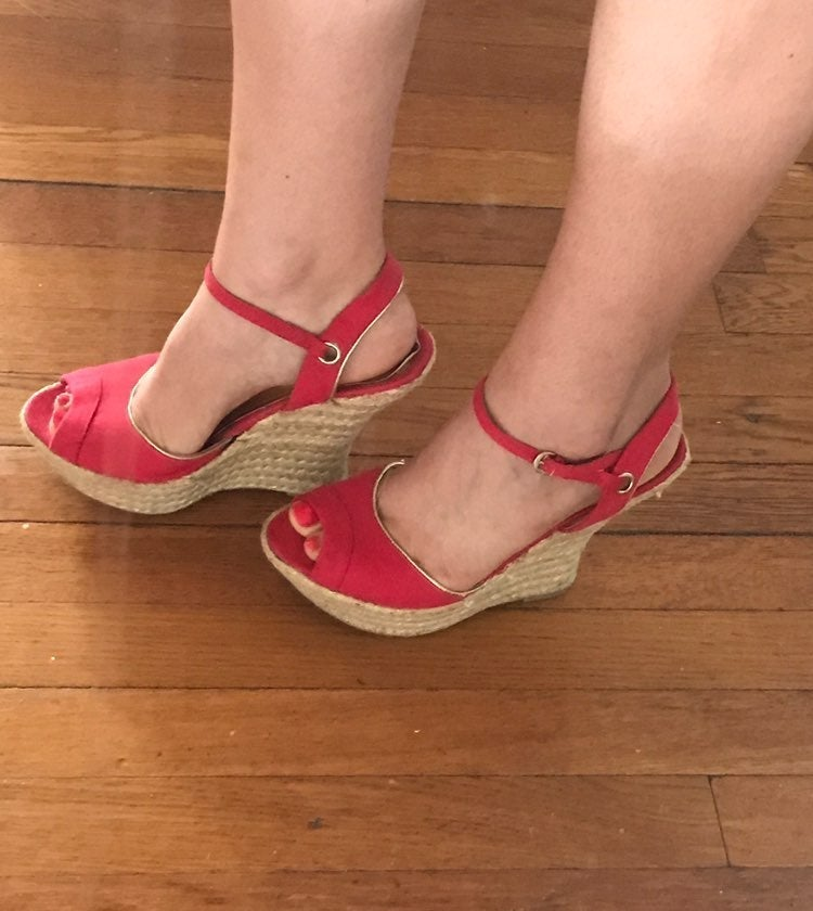 """Bamboo"" Red Wedges size 8"