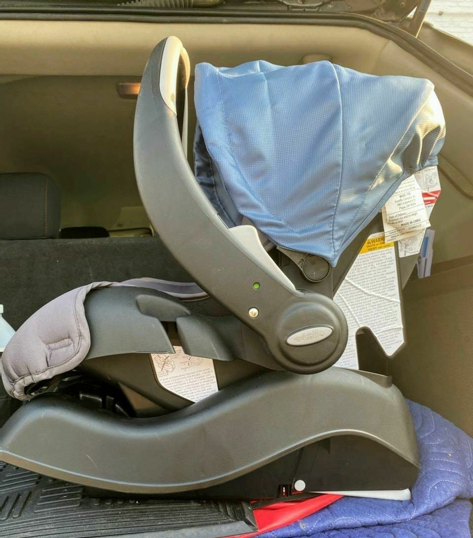 Evenflo NWOT car seat with base