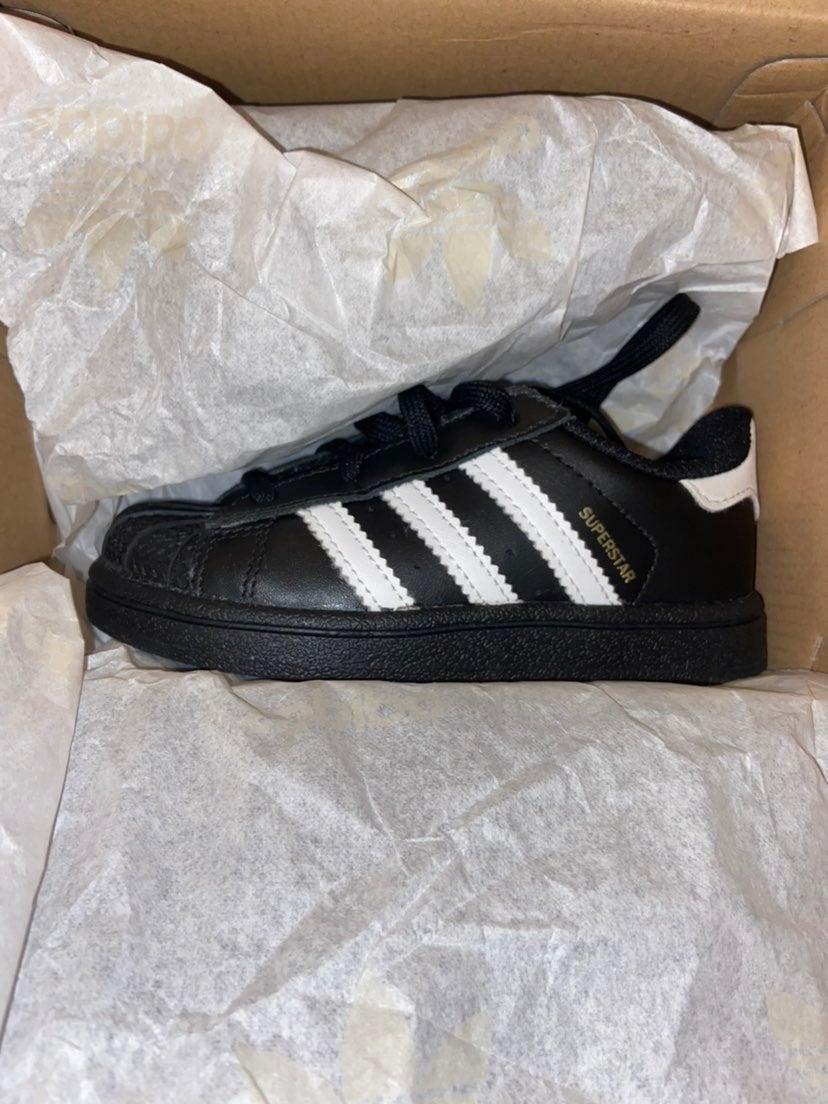 Adidas Superstar 7k