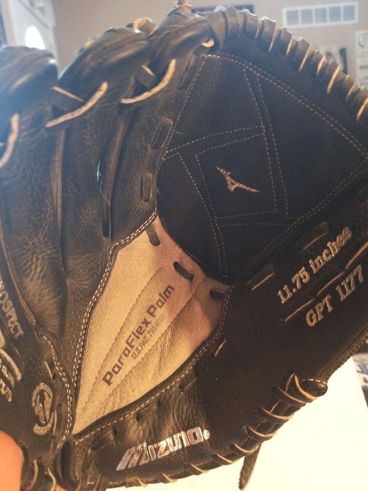 Mizuno softball glove, Lefthand throw