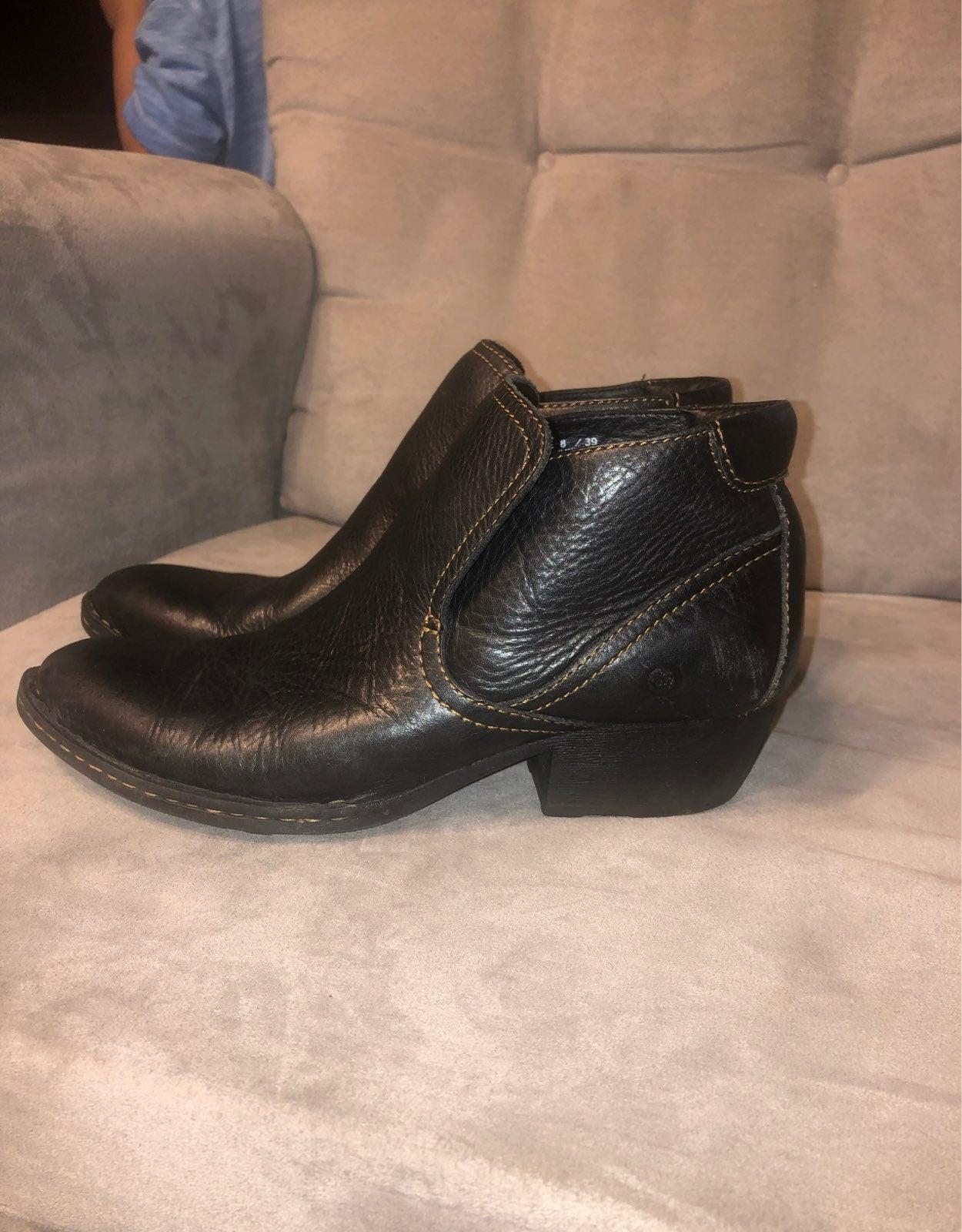 Born Rachelle Black Leather Ankle Boots