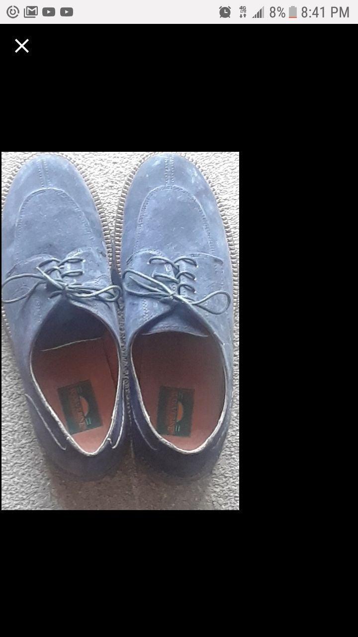 Wolverine NWOT dark blue suede shoes10.5