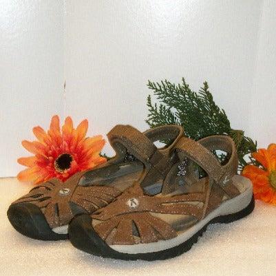 Duluth Trading 9 KEEN Rose Sandals NWOT