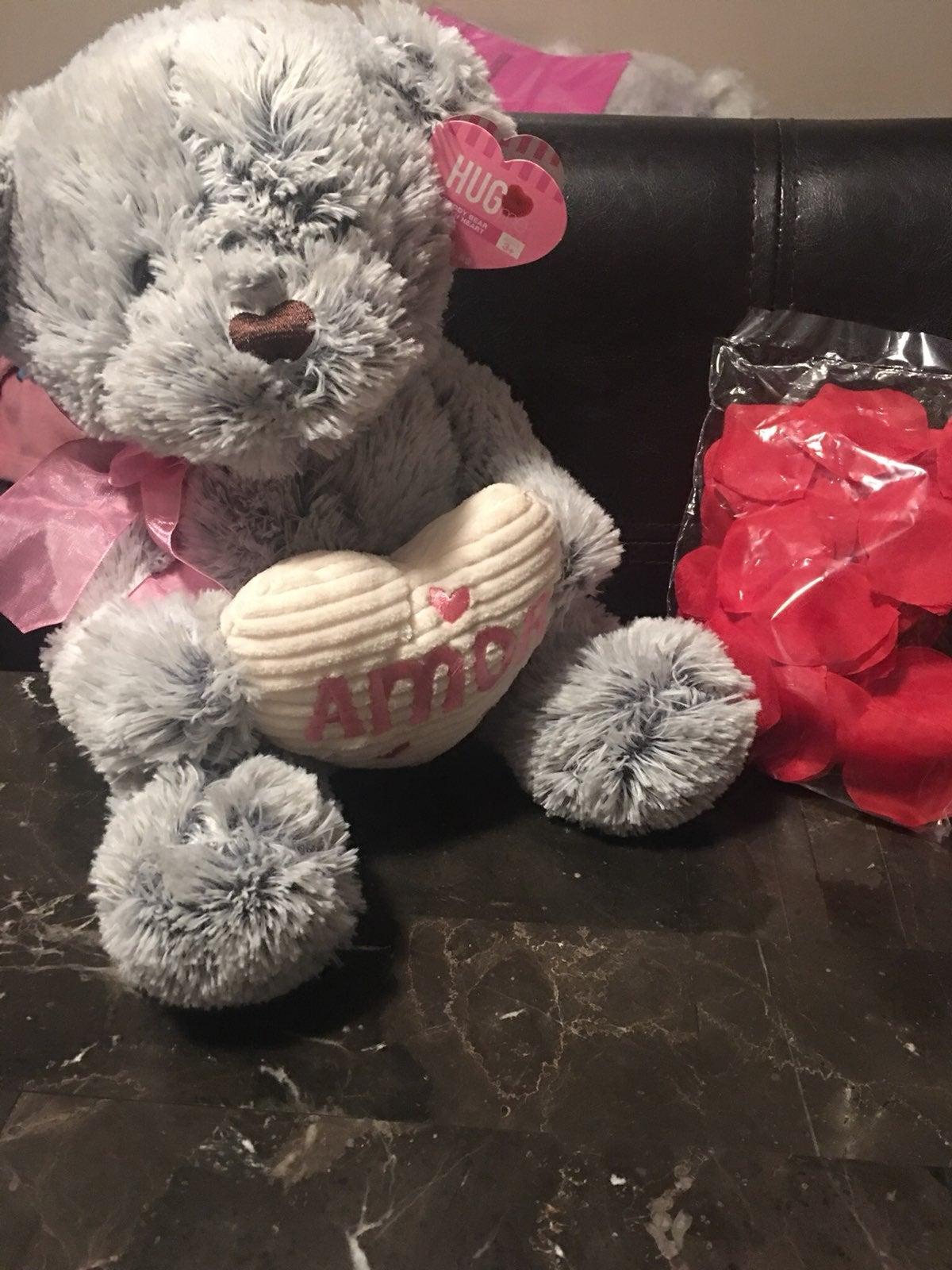 Teddy bear roses valentines