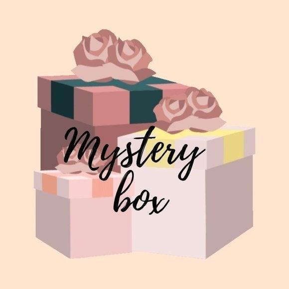 Fall/Winter Accessories Mystery Box