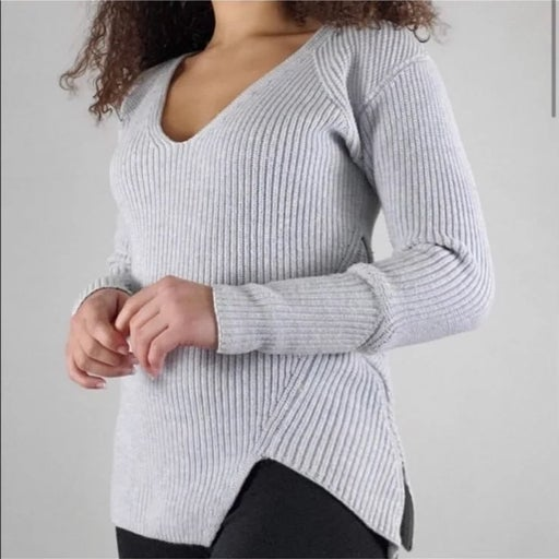 Cabi Deep V Zipper Pullover Sweater