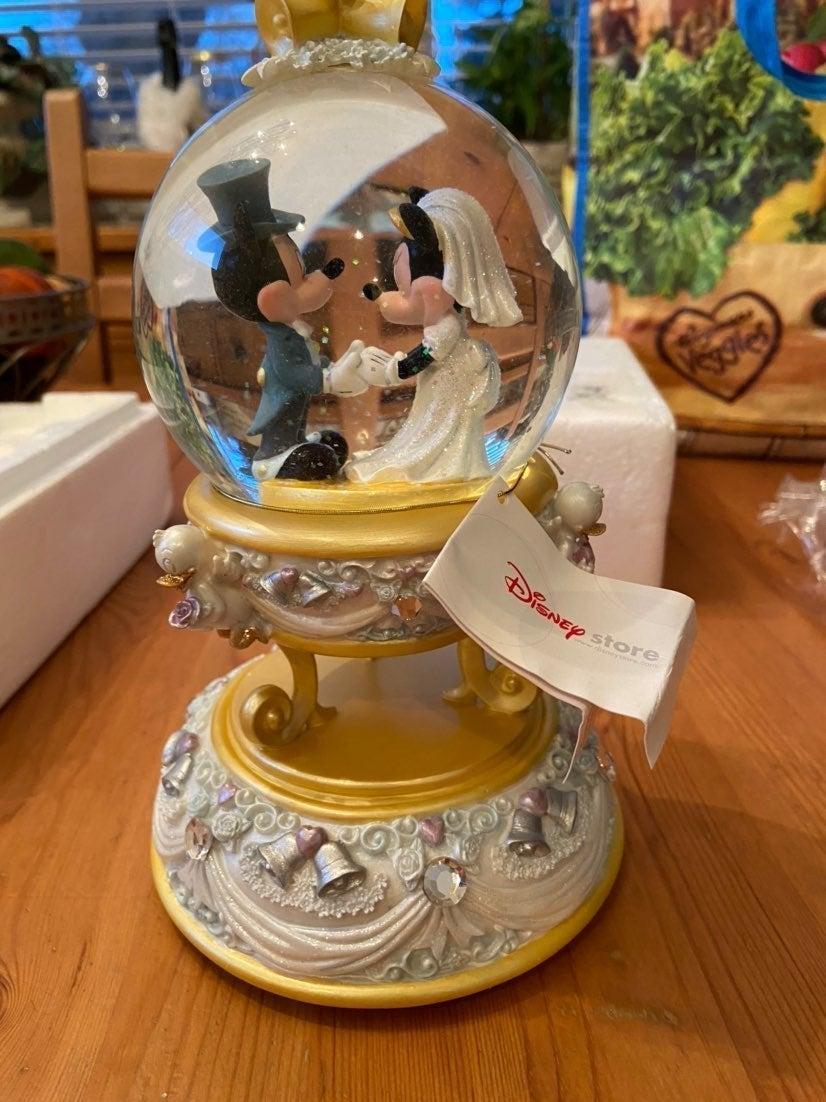 Mickey and Minnie Wedding Snow Globe