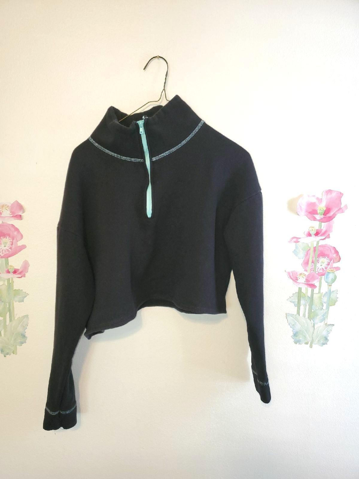 Crop top women's sweater/black/M.