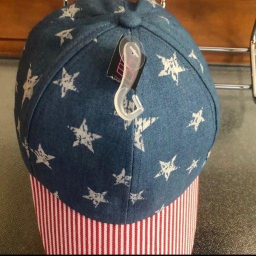 NWT AMERICAN FLAG BASEBALL STYLE HAT