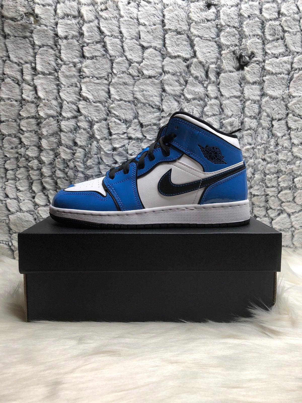 Jordan 1 signal blue