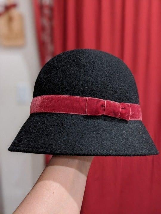 Gymboree Black Cloche Hat, Sz 12-24 mo.