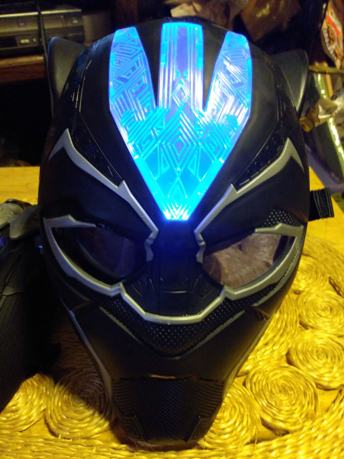 Black Panther Mask & Claw