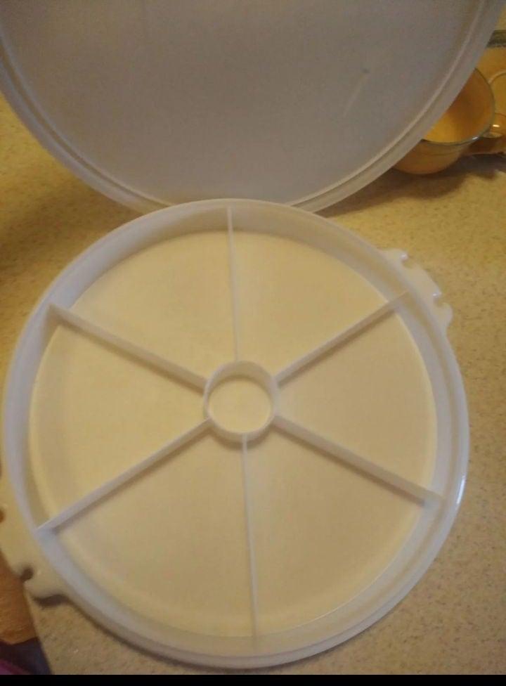 Vintage Tupperware TupperSeal Dish