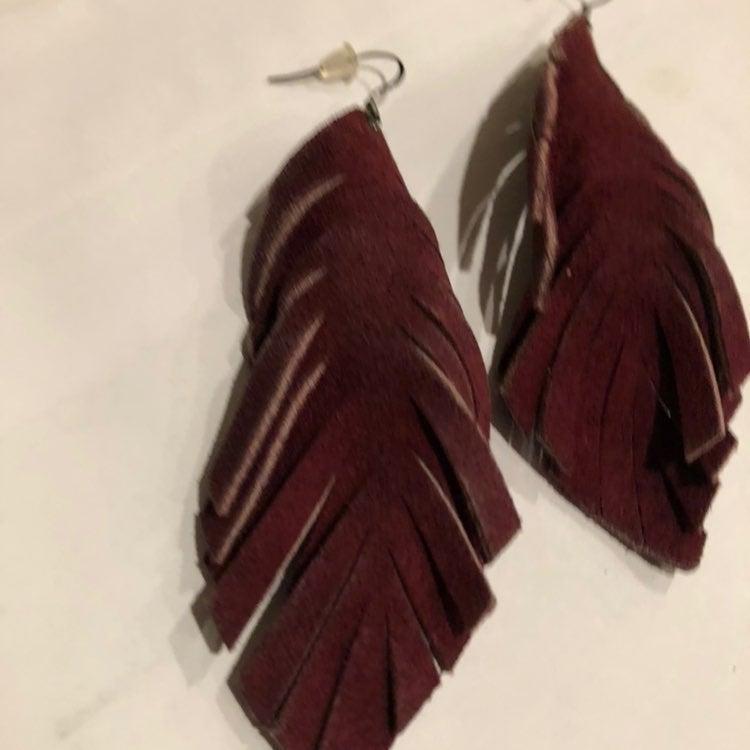 Feather leather maroon earrings magnolia