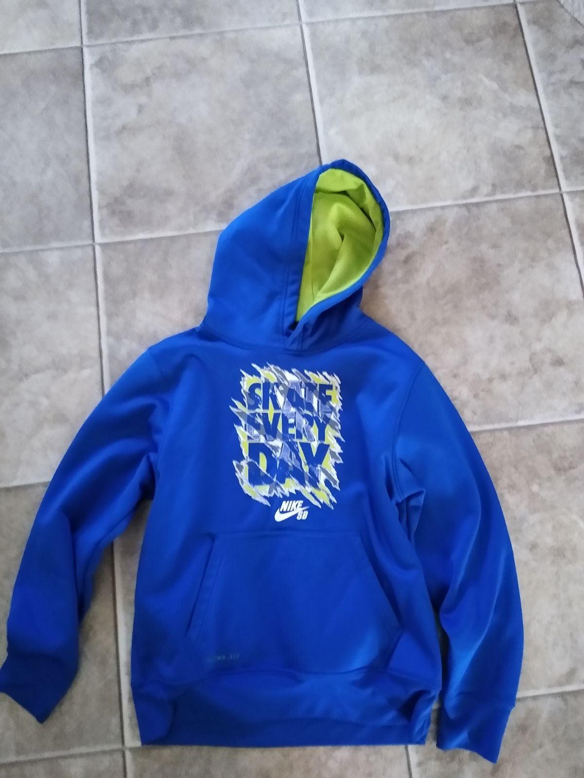 Boys size medium Nike SB hoodie