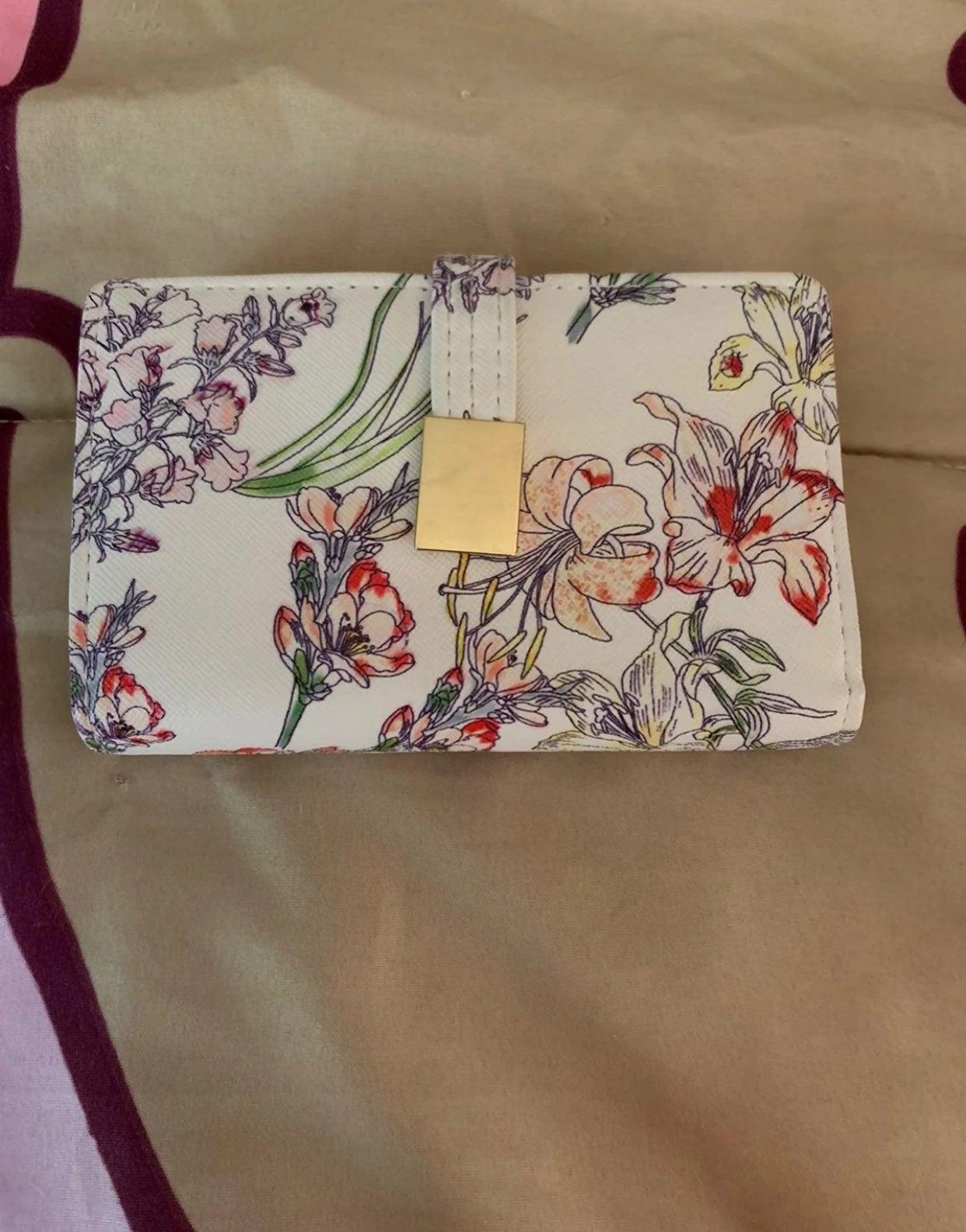 No Boundaries Floral Wallet