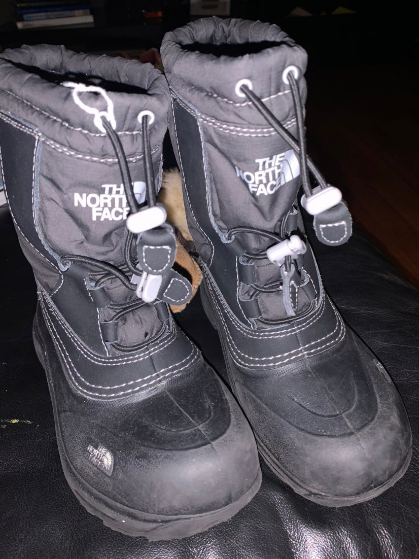 The northface Boots size 1