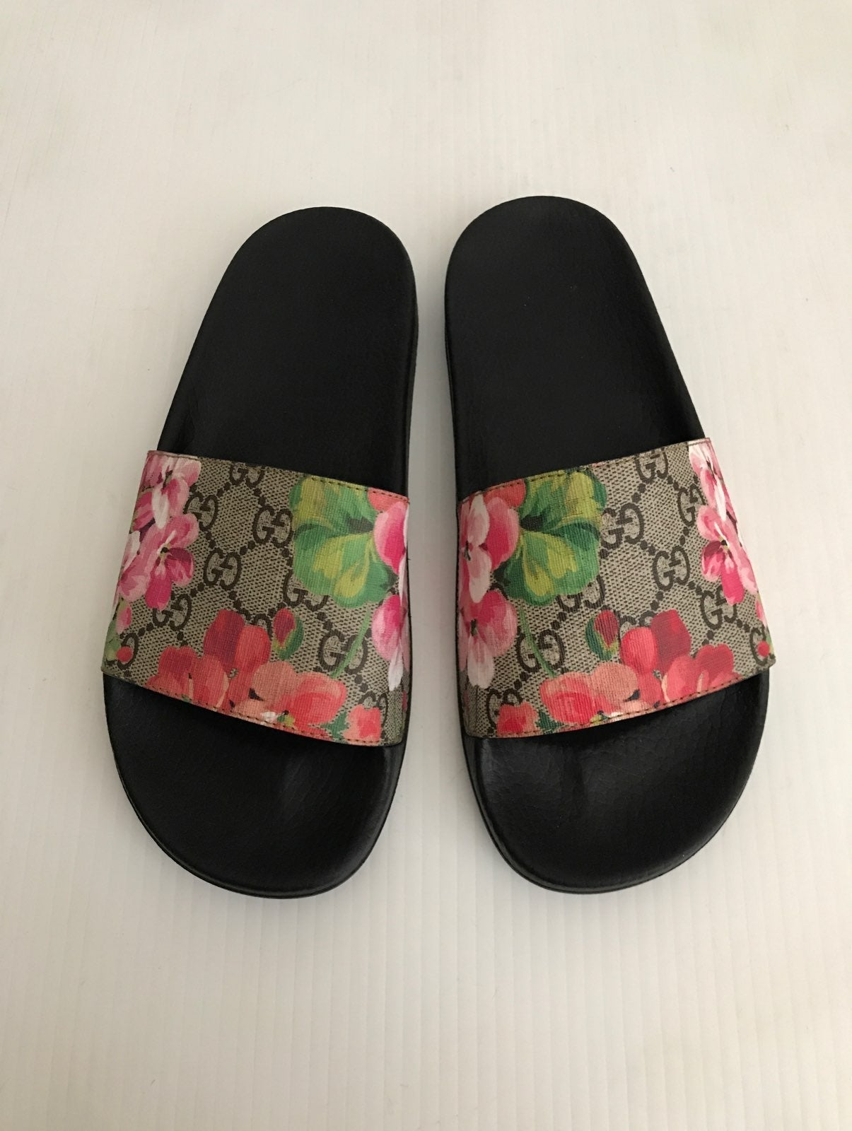 Gucci GG Bloom Pursuit Slide Sandal 38