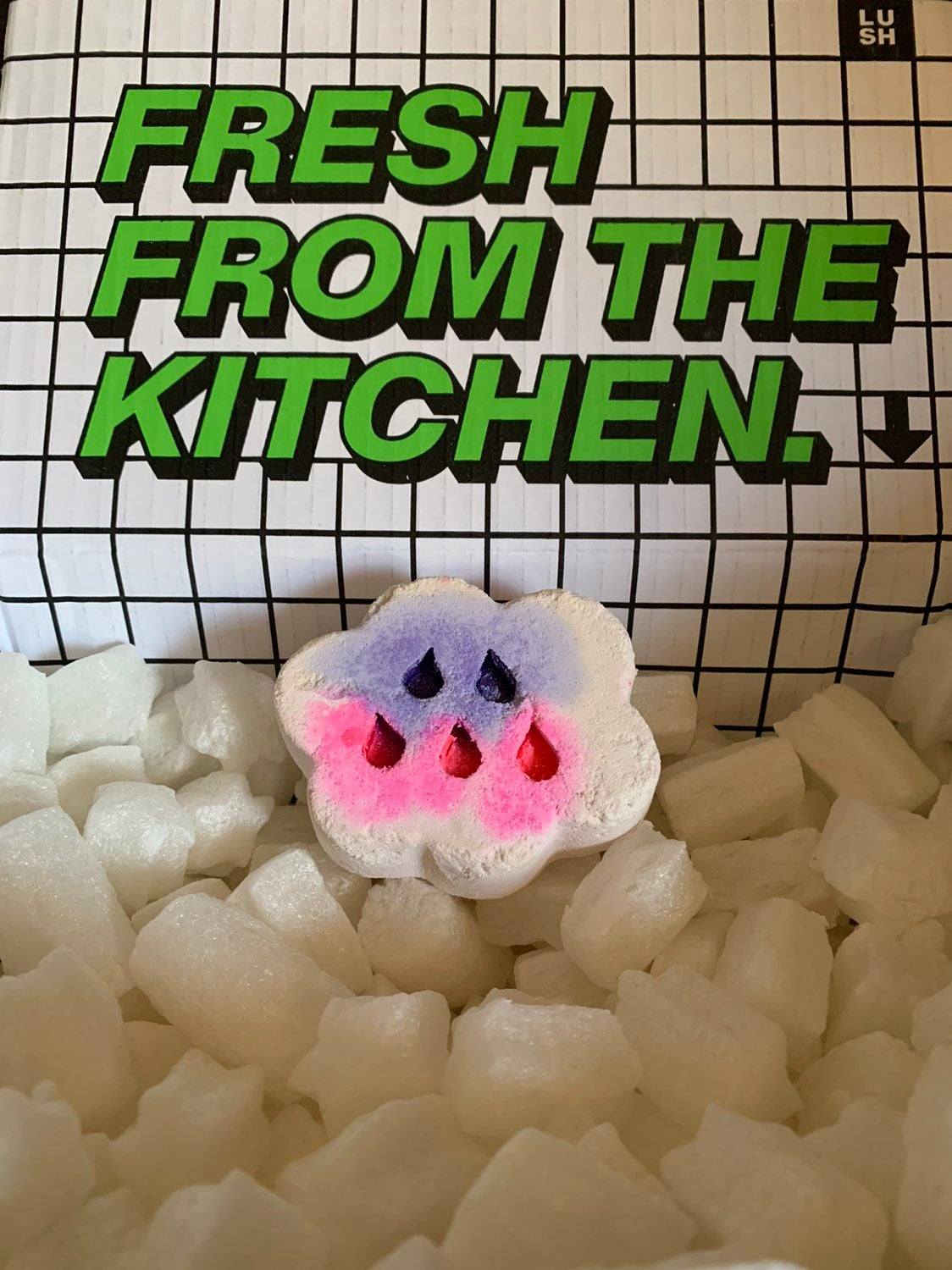 April Showers bath bomb - Lush Kitchen