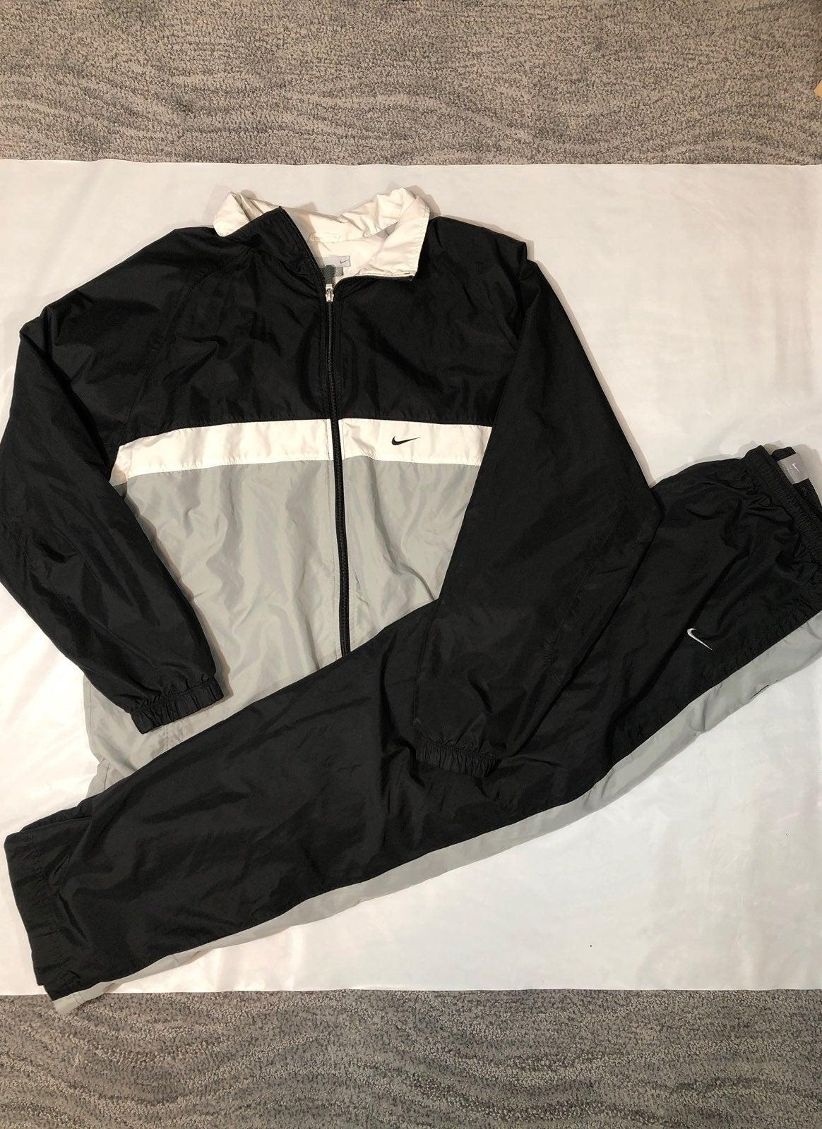 Vintage Nike Windbreaker & Pants Bundle