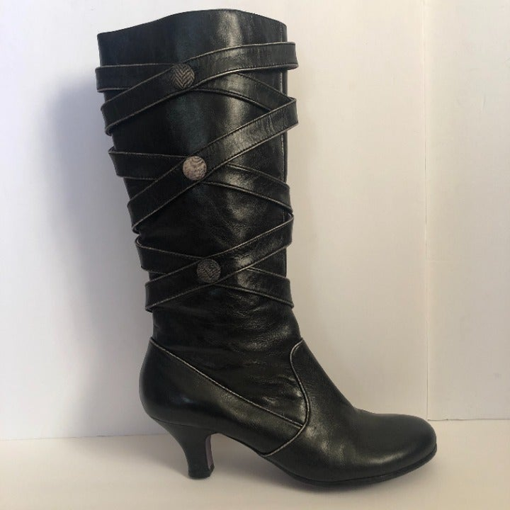 Kenzie Knee High Leather Boots Size 8.5