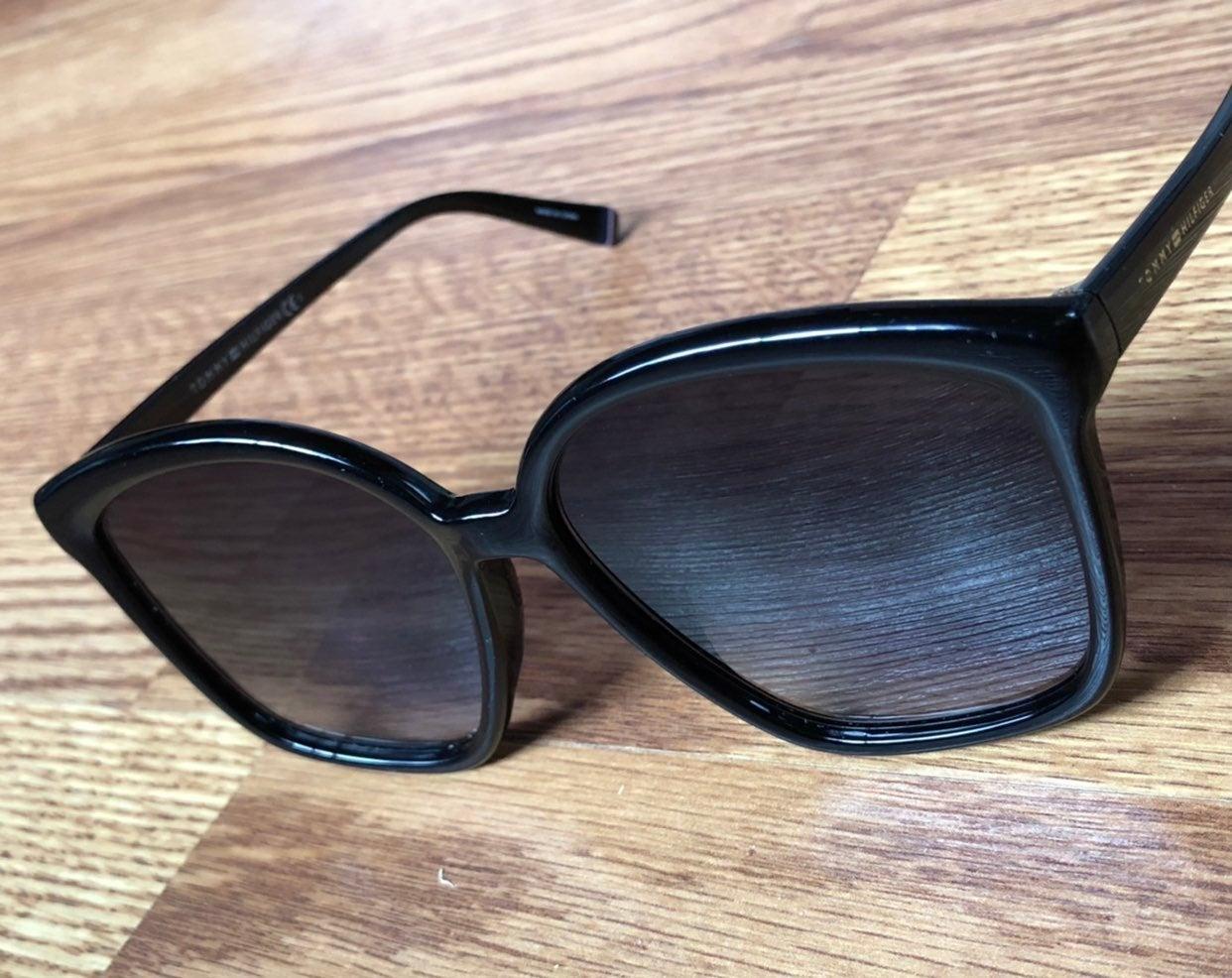 Tommy Hilfiger sun glasses