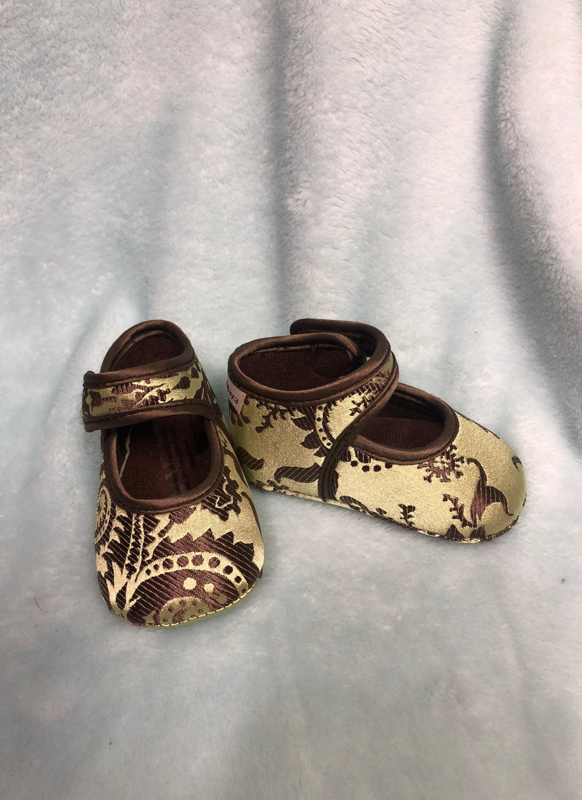 Adorable New Baby Bella Maya Shoes
