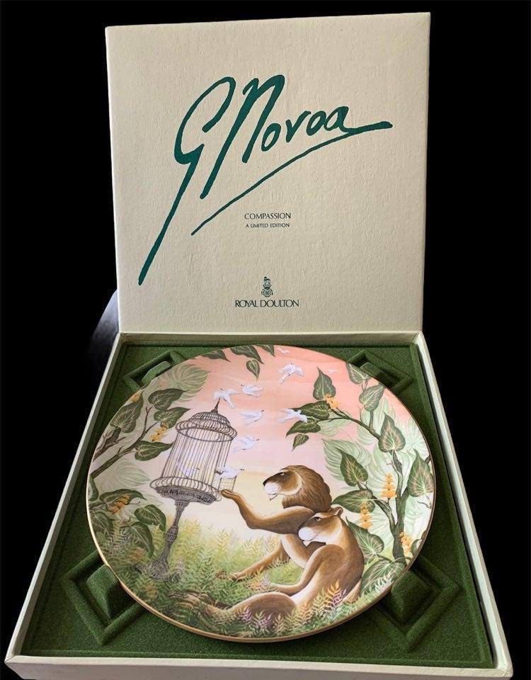 Vintage Gustavo Novoa compassion plate