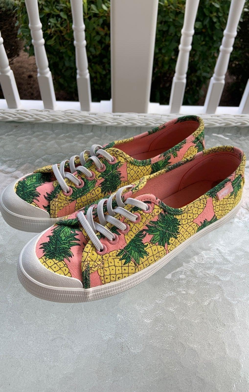 Rocket Dog Pineapple Sneakers Size 8