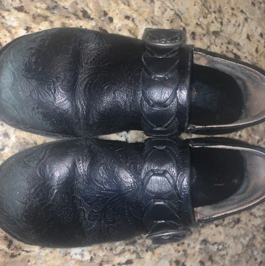 Ariat Amy tooled leather clogs 8.5 black