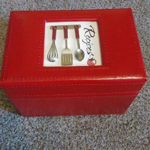 Red Recipe Box w Recipe Cards