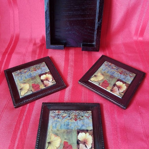 Vintage Coasters 3 pcs in Walnut Wooden
