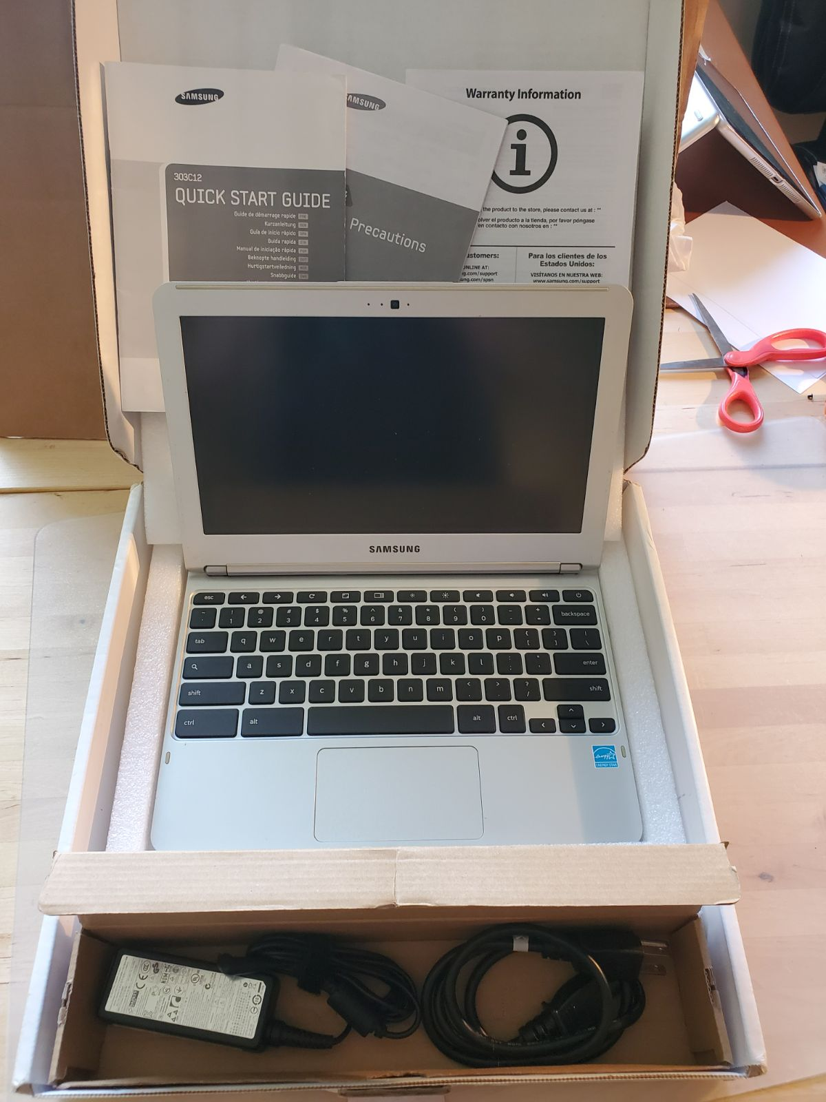 samsung chromebook with box and charger