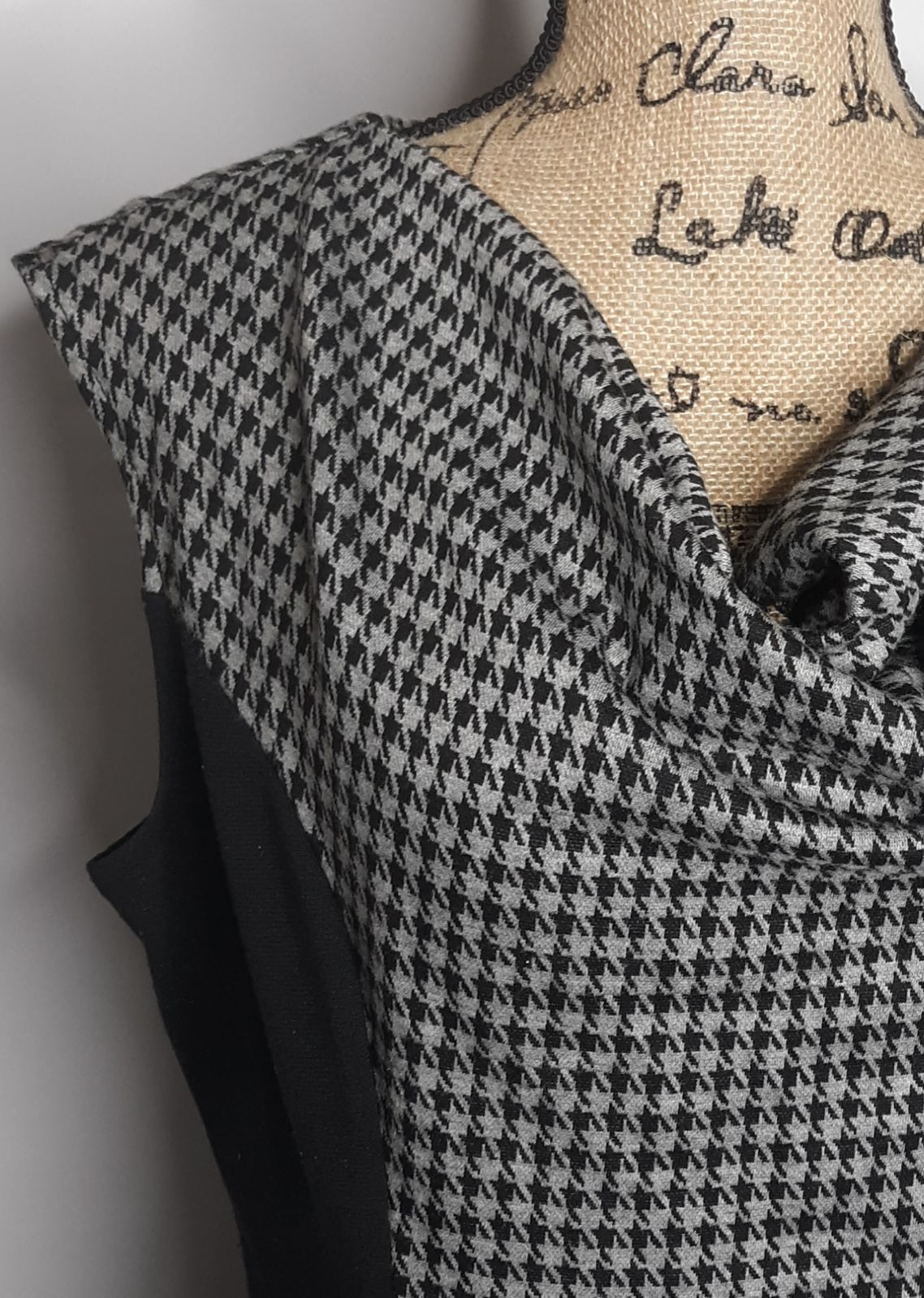 SIGNATURE LONDON STYLE Size 14 Dress