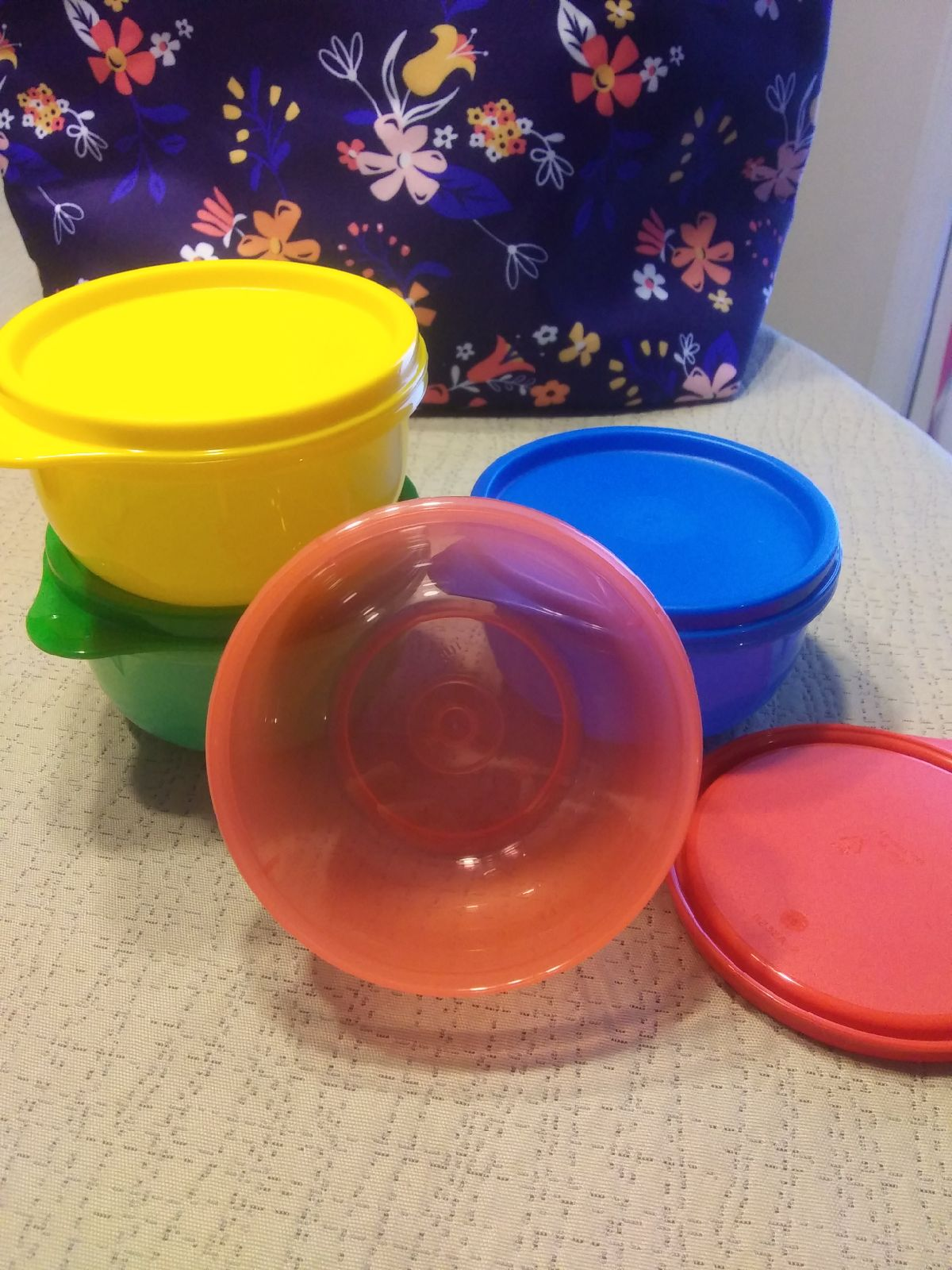 Ideal lit'l bowls