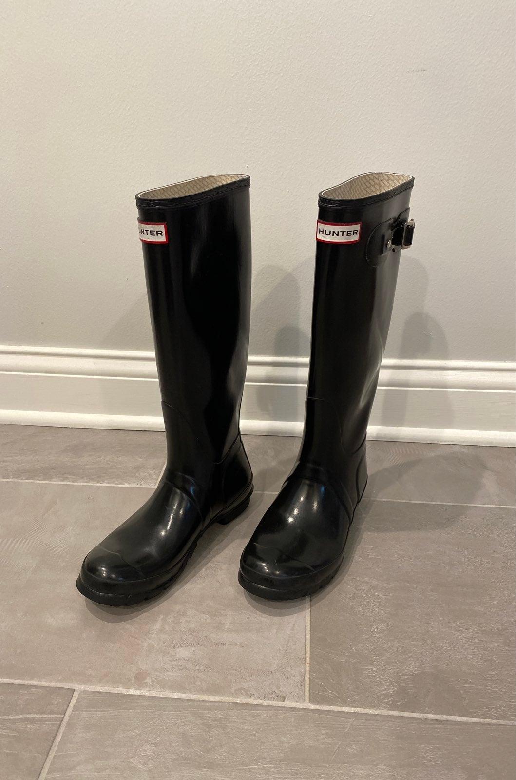 Hunter Boots, black glossy tall 7