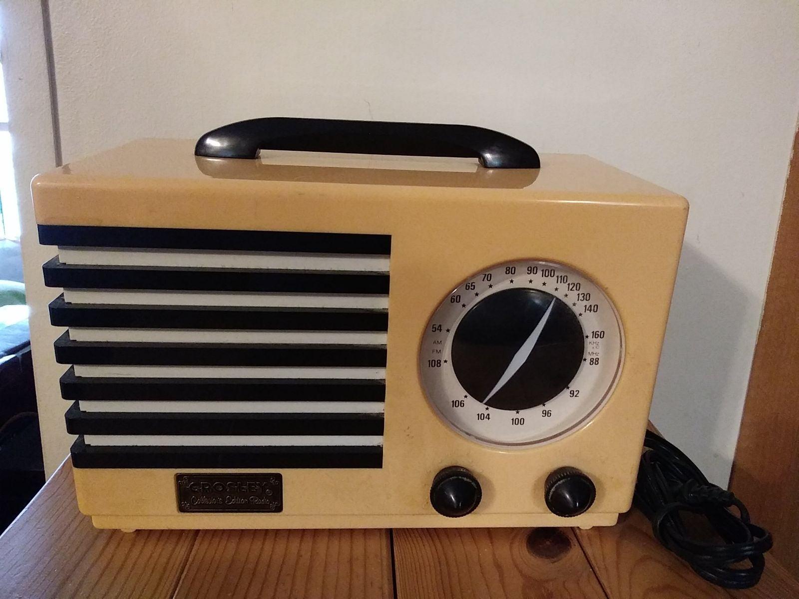 CROSLEY Collector Edition RADIO CASSETTE
