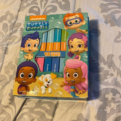 BubbleGuppies board books