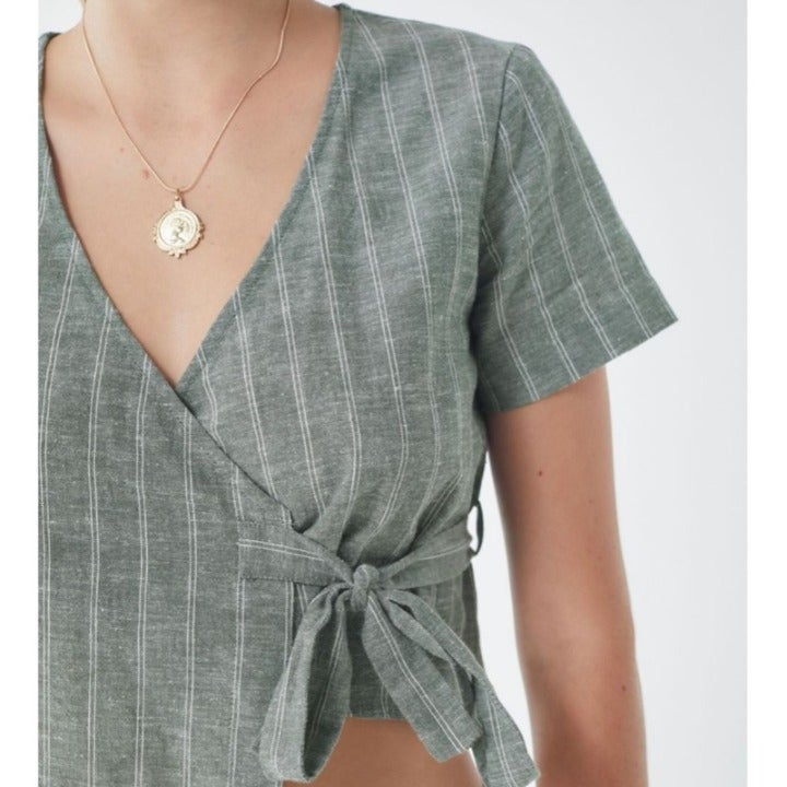 Urban Outfitters Striped Wrap Crop Top M