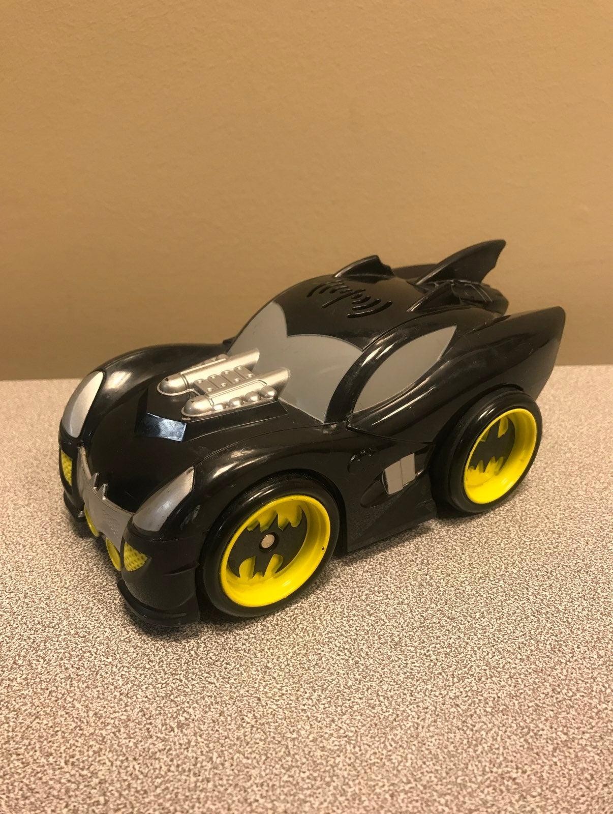Batman Shake & Go Car