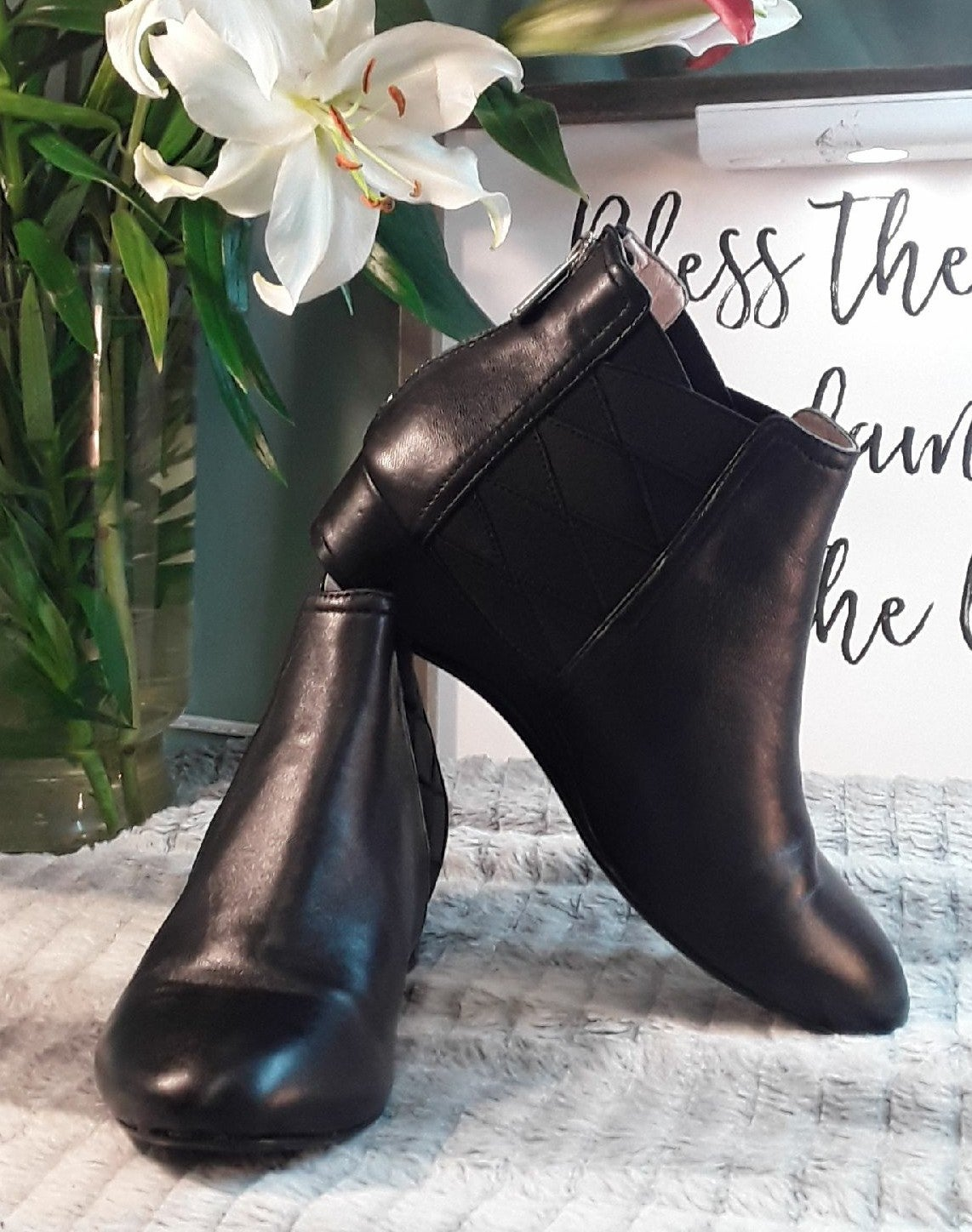 AUTHENTIC Taryn Rose Booties