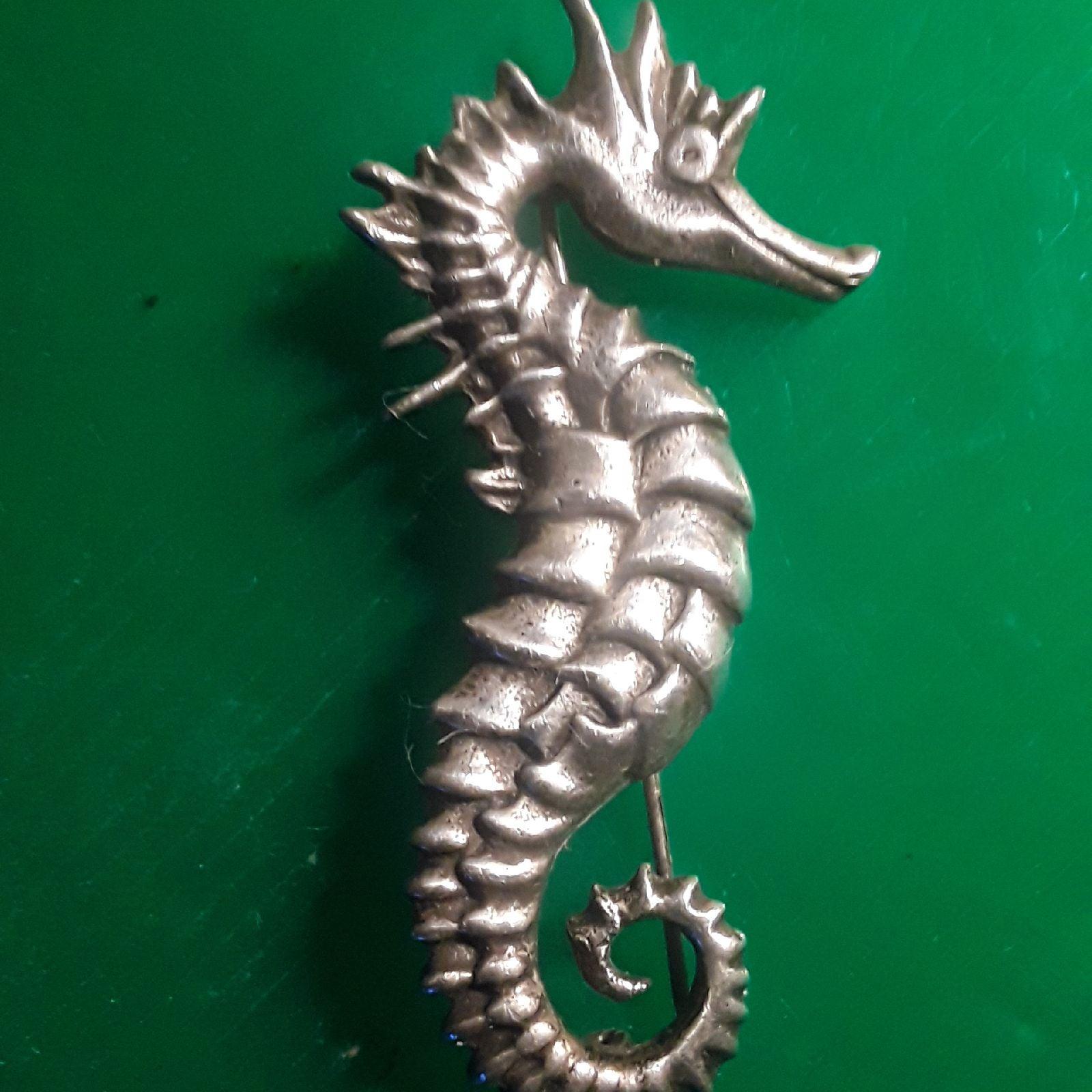 Sterling silver  vintage seahorse  brooc