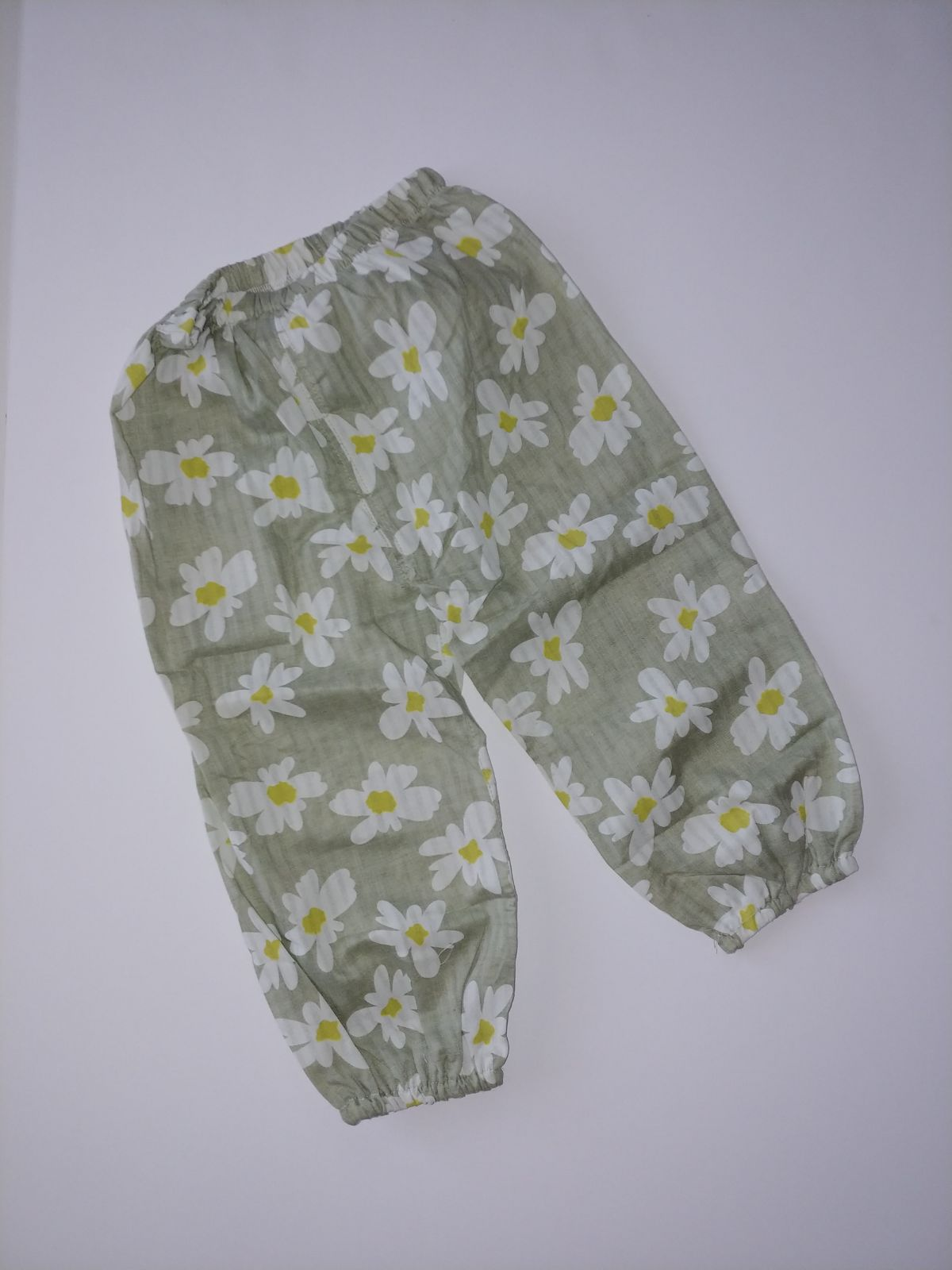 NEW 2T Green Pants Love Daisies