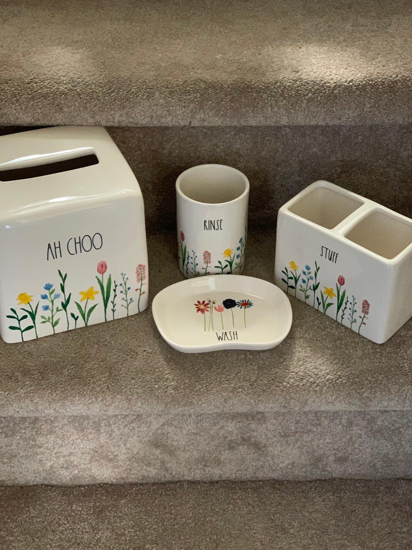 Rae Dunn 4pc Floral Bath Set