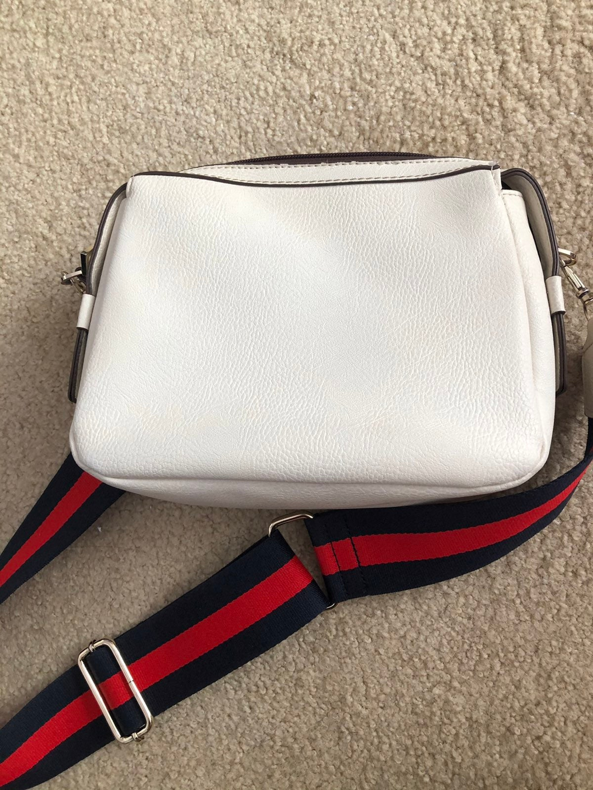 Crossbody thick strap handbag purse