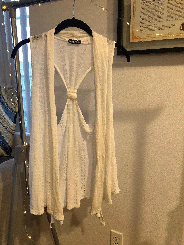 Lace vest shaw