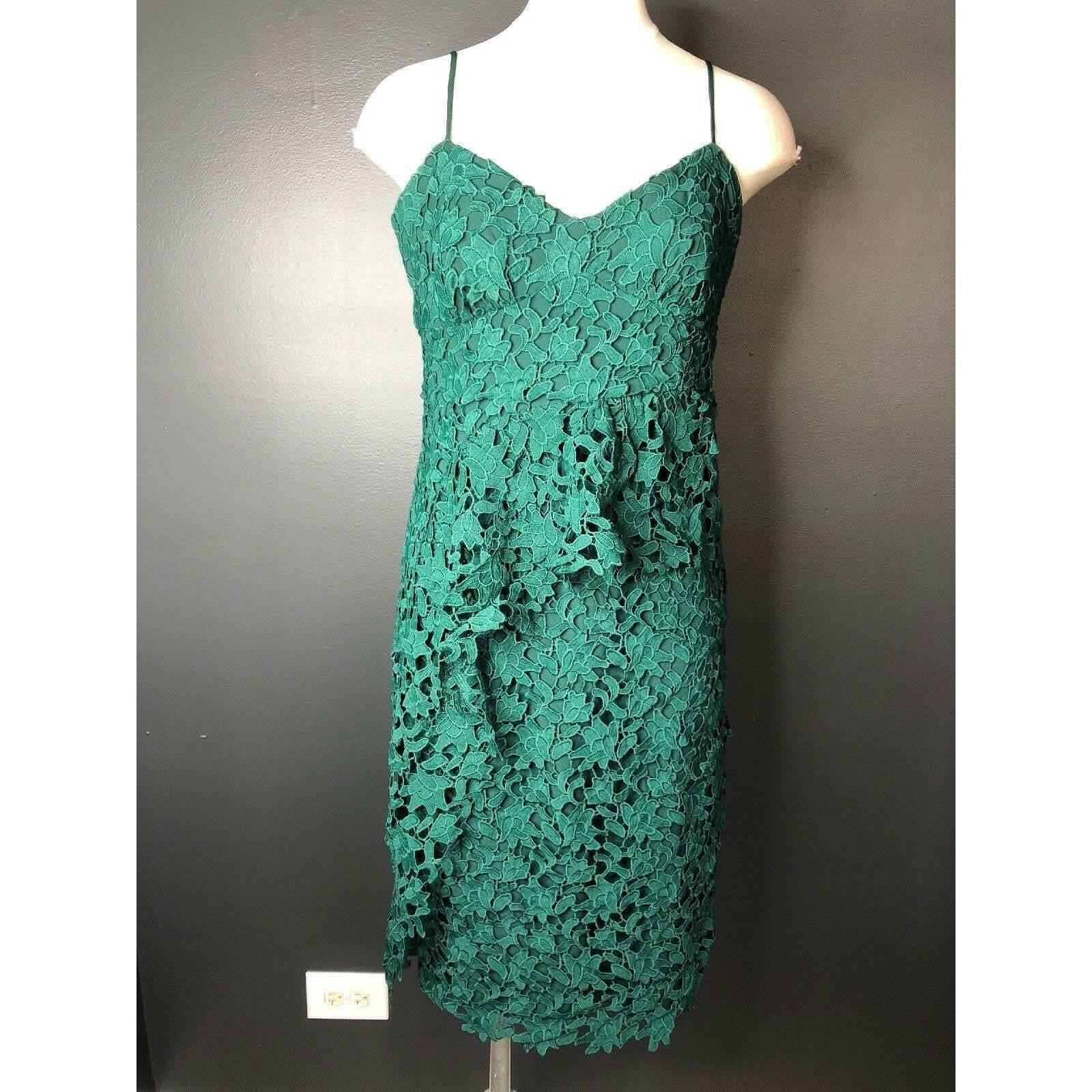 Lace Ruffled Sleeveless Cocktail Dress