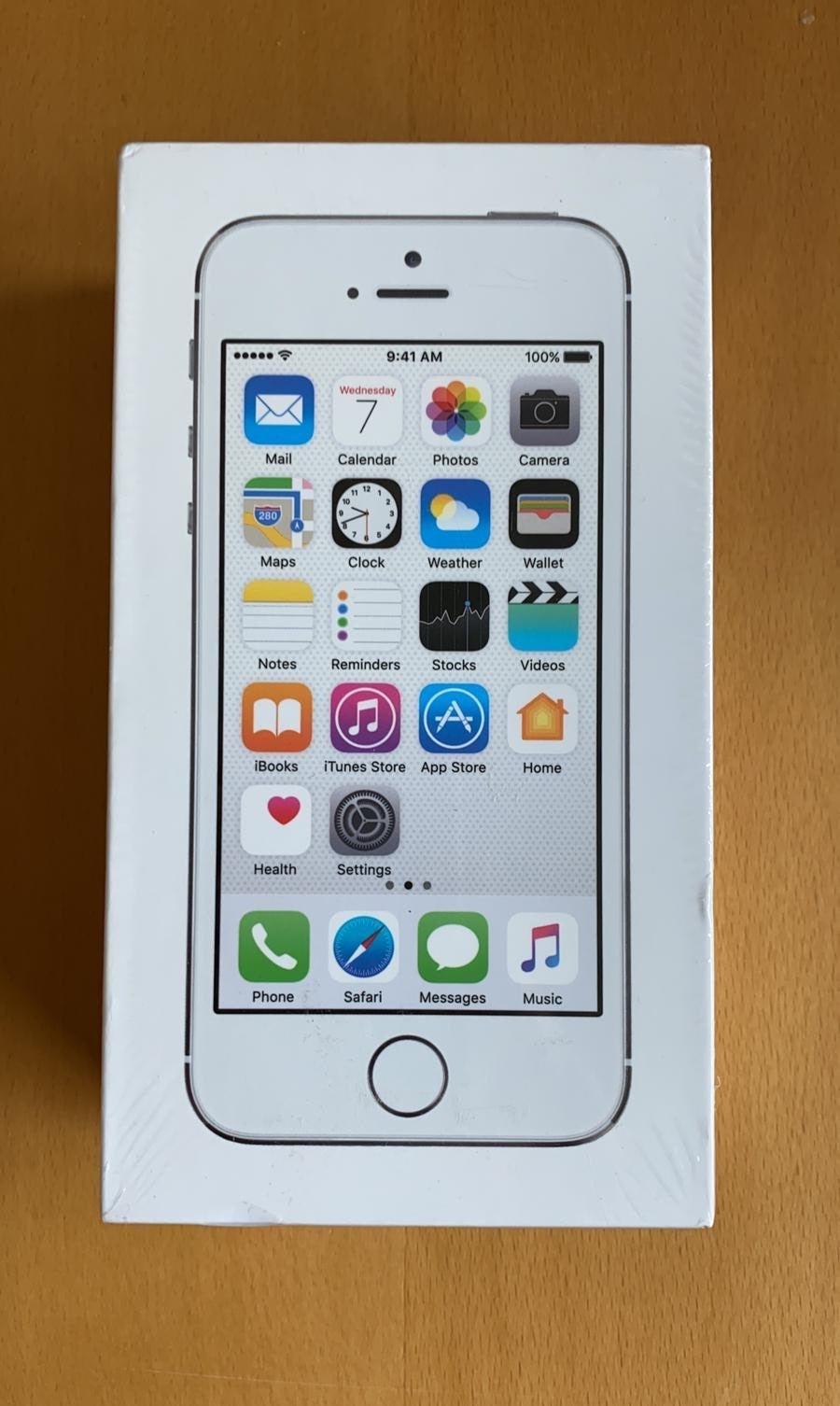 iPhone 5s Silver 16 GB Boostmobile